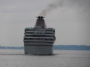 Balmoral departing Tallinn 7 July 2012.JPG