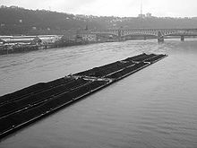 Dry bulk cargo barge - Wikipedia