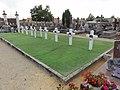 Beaumont-sur-Sarthe (Sarthe) carré militaire au cimetière.jpg