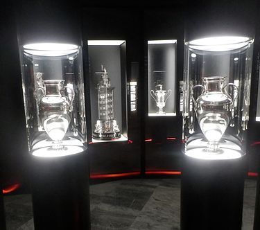 Benfica's two European Cups at Museu Benfica - Cosme Damiao Benfica European cups in Museu Cosme Damiao (cropped).JPG
