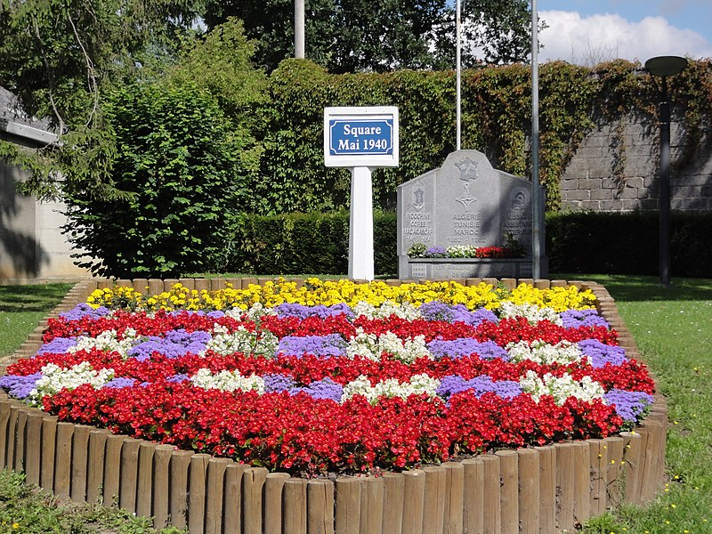 Berlaimont (Nord, Fr) monument aux morts Square Mai 1940