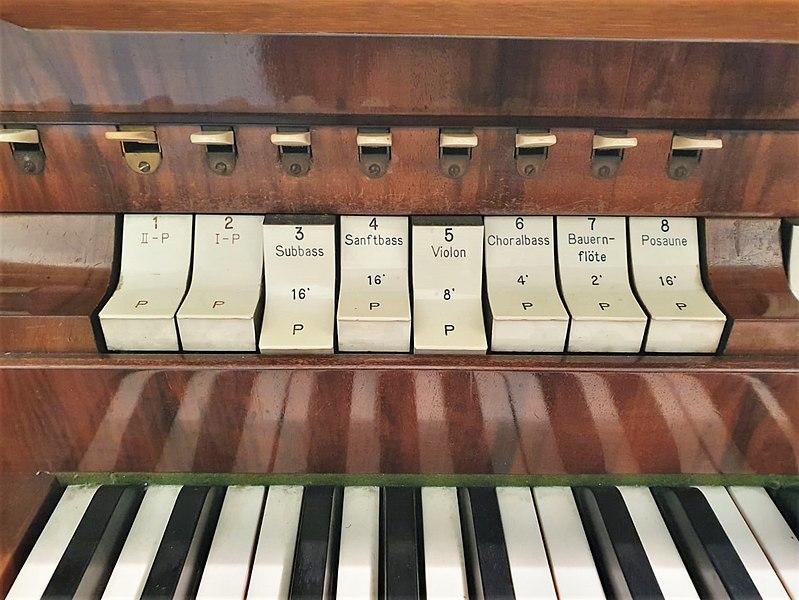 Datei:Berlin-Pankow, St. Georg (Hans Hammer-Orgel) (6).jpg