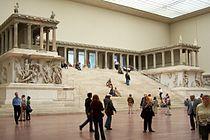Berlin - Pergamonmuseum - Altar 02.jpg
