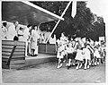 Bezoek van prinses Juliana aan West-Indië. Curaçao. Kinderen hebben gezongen voo, Bestanddeelnr 935-1531.jpg