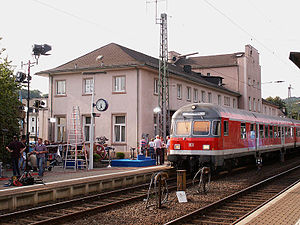 Dillenburg station - Reception building with Regionalbahn service to Marburg in 2002