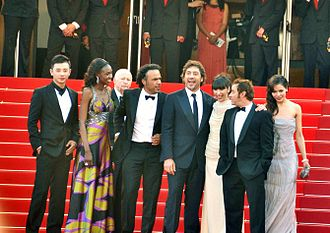 Javier Bardem - Bardem with co-stars for the film Biutiful at Cannes 2010
