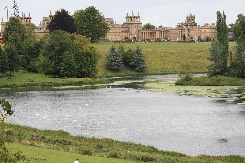 File:Blenheim Palace Park & Lake (6092929443).jpg