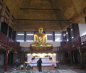 Pagode de Vincennes - The large Buddha of the pagode de Vincennes