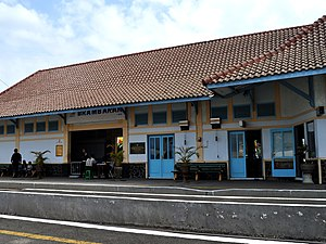 Brambanan train station 120827 0163 klt.jpg