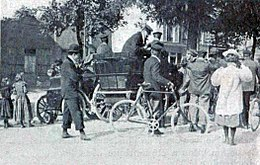 Breack du comité d'organisation du Paris-Amsterdam-Paris automobile 1898.jpg