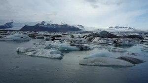 File:Breiðarmerkurjökull glacier lagoon.webm