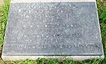 Gedenkplatte an der Stätte des Wohnhauses von Wolfgang Carl Briegel, Georg Joseph Vogler und Giacomo Meyerbeer in Darmstadt, Karolinenplatz (Quelle: Wikimedia)