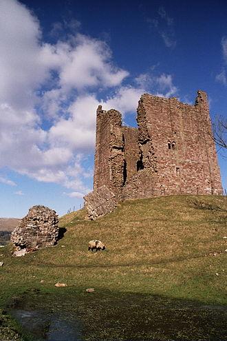 Brough Castle - Image: Brough Castle SW