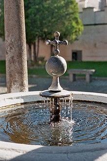 Una pittoresca immagine dell'ottocentesca fontana liturgica chiamata