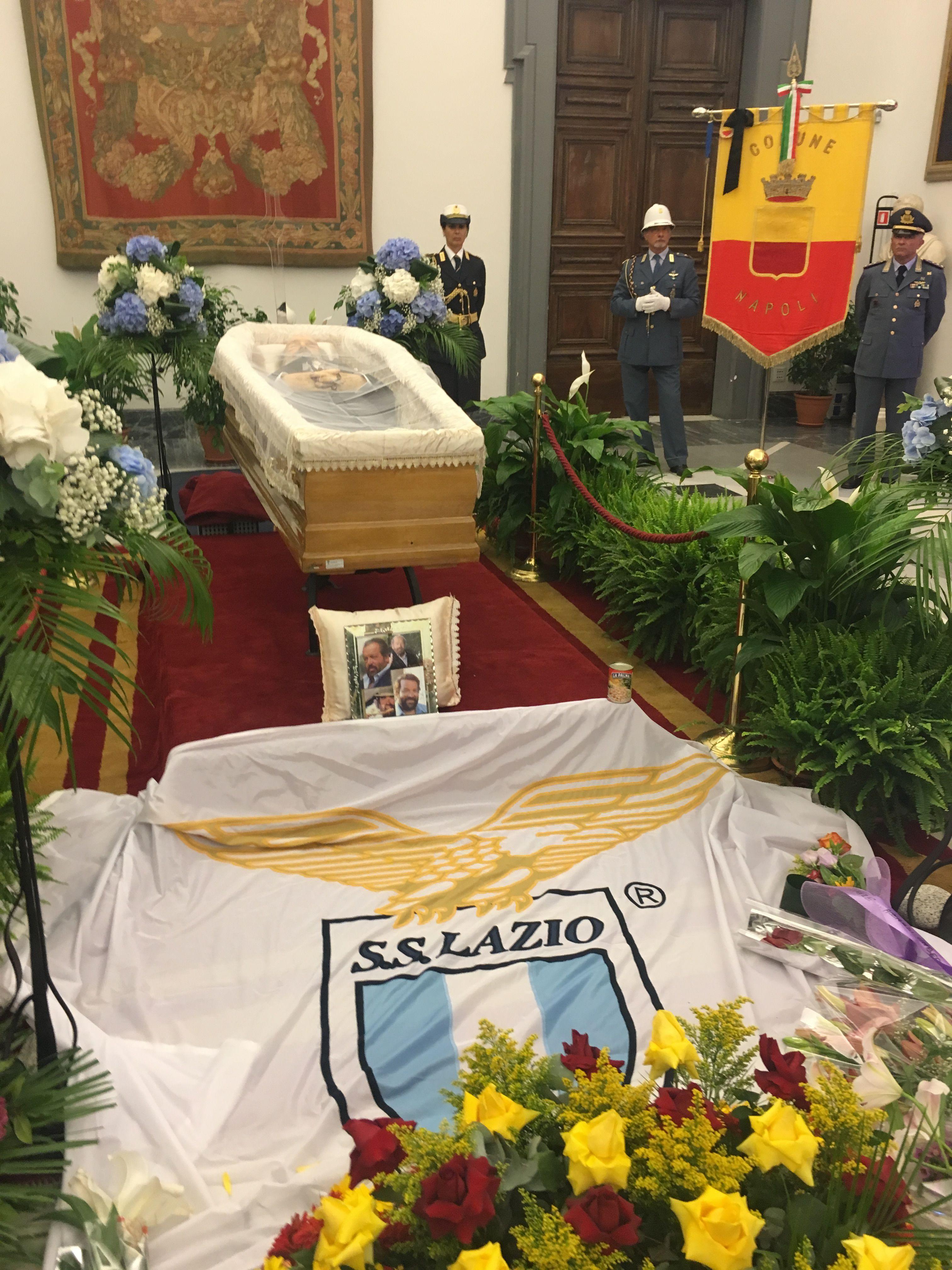 Filebud spencer funeral in rome by mardetanha 4g wikimedia filebud spencer funeral in rome by mardetanha 4g izmirmasajfo