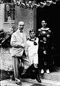 Bundesarchiv Bild 102-05677, Julius Barmat mit Frau und Sohn.jpg