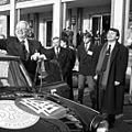 Bundesarchiv Bild 183-1990-1121-007, Deutsche Fußball-Vereinigung cropped Niersbach.jpg