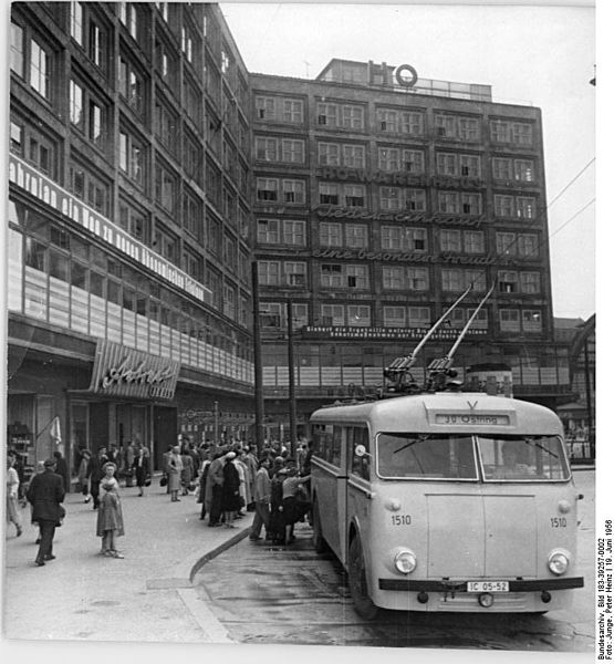file bundesarchiv bild 183 39257 0002 berlin alexanderplatz ho wikimedia commons. Black Bedroom Furniture Sets. Home Design Ideas