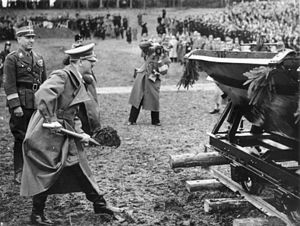 West Autobahn - 7 April 1938: Hitler turns the first sod at Walserberg, on the left Fritz Todt
