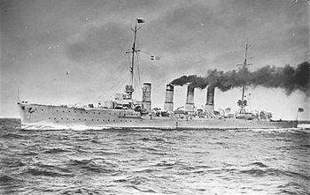 """Bundesarchiv DVM 10 Bild-23-61-01, Small cruiser """"Karlsruhe"""" .jpg"""