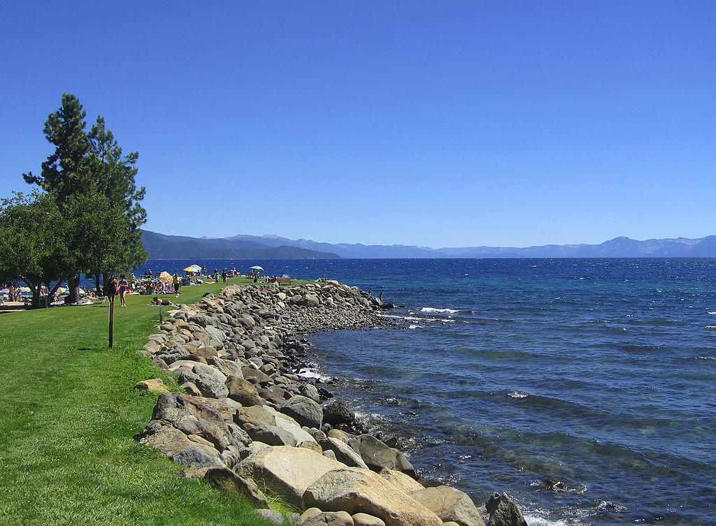 File:Burnt Cedar Beach, Lake Tahoe (2729479123).jpg - Wikimedia ...