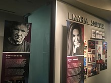 CA Hall of Fame Harrison Ford en Maria Shriver Exhibits.jpg