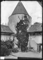 CH-NB - Champvent, Château de Champvent, tour principale, vue partielle extérieure - Collection Max van Berchem - EAD-7235.tif