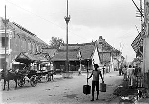 Peranakan - Hok An Kiong Chinese Temple, Jalan Coklat, Surabaya circa 1900–1920. Large Chinese communities were already present in Java when the Dutch arrived just before the 1600. Many Chinese had native concubines until a large group of mestizos arose, spoke Malay or Javanese.