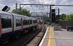 Camden Road railway station MMB 12 378230.jpg