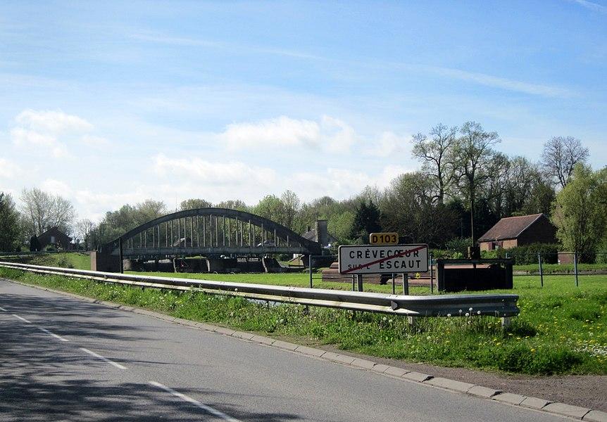 Canal de Saint-Quentin, Crèvecœur-sur-l'Escaut.  Ecluse de Crèvecoeur.