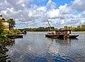Candes-Saint-Martin, Fischerboote auf der Vienne.jpg