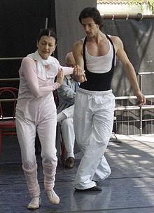 Carla Fracci prova con Fabio Grossi in occasione del Premio Acqui Danza conferitole nel 2006
