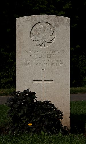 Canadian Military Engineers - Grave in Cathays Cemetery, Cardiff of Sapper CE Avery, who died in a week after the Armistice in November 1918