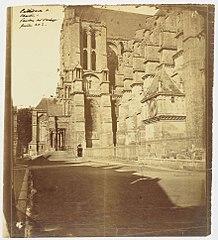 Photographie du pavillon de l'horloge de la cathédrale de Chartres