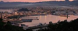 Vista aérea de Ceuta y la bahía norte desde el monte Hacho