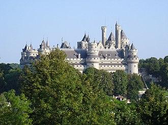 Château de Pierrefonds - Image: Château de Pierrefonds vu depuis le Parc