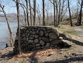 Hudson River Chain - The remnants of the earthworks of Chain Battery on Flirtation Walk