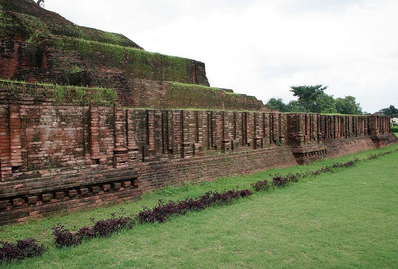 File:Chaukhandi Stupa-5.jpg
