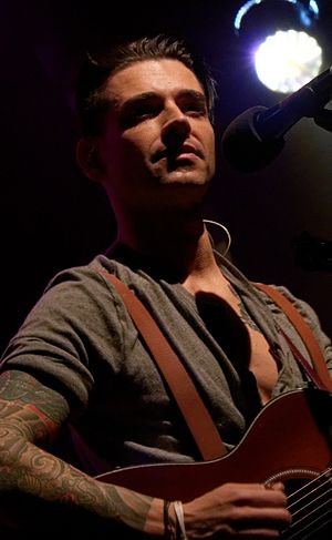 Chris Carrabba - Carrabba performing in 2015