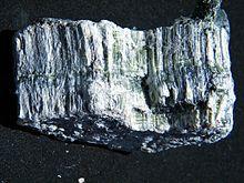 220px-Clinochrysotile-314536.jpg
