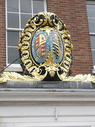 HMY Victoria and Albert - Image: Coat of arms at Portsmouth Dockyard, Hampshire