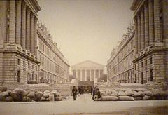 Commune de Paris barricade de la rue Royale.jpg