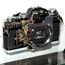 Cut-away Minotla SLR IMG 0377.jpg