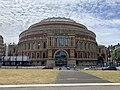 Cycling past the Royal Albert Hall (50006247438).jpg