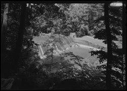 Fördämning på den nordvästra filialen av den Anacostia floden som tas från åsen som ser norr.  - Robert B. Morse Water Filtration Plant, 10700 och 10701 Columbia Pike, Silver Spring, Montgomery County HAER MD-166-20.tif