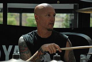 Dave McClain (musician)