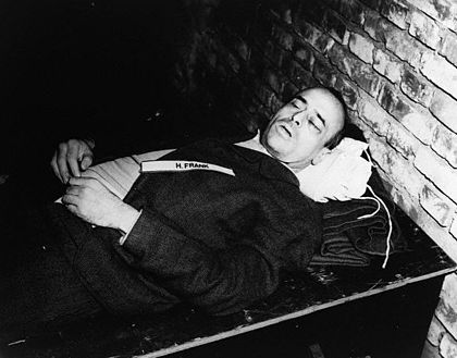 Hans Frank's corpse after his hanging Dead hansfrank.jpg
