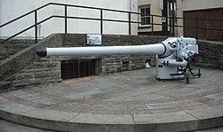 Deck gun. of UB-91, Chepstow.jpg