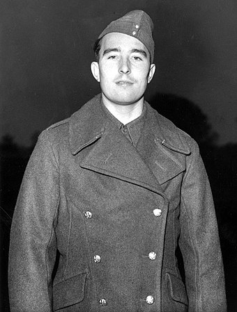 Compton in 1939 as a gunner in the army Denis Compton 1939-12-20.jpg