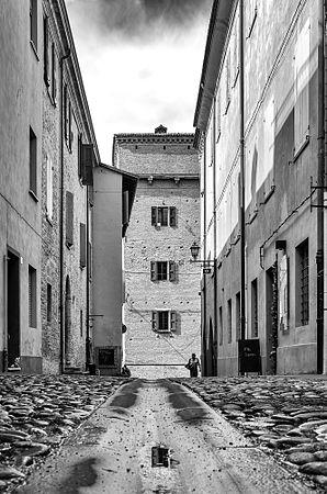 Dentro il borgo storico.jpg